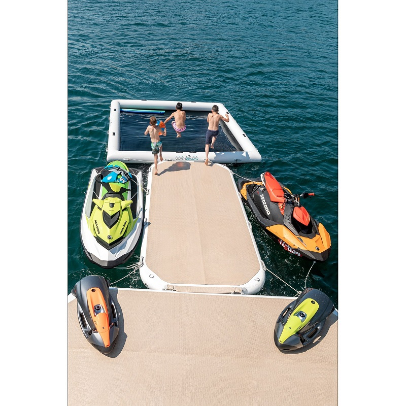w19740-YB-Luxury-Pool-4x4-Kids-jumping-back